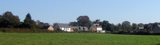 Maisons d'habitation et terrain agricole