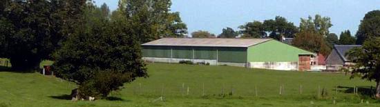 Batiment et terrain agricole